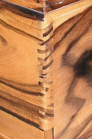 01(PB010015・20021101)トリミング縮小300×450・シャープ